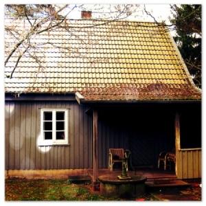 Schmidts Wohnhaus in Bargfeld, in seinem Stil fotografiert.